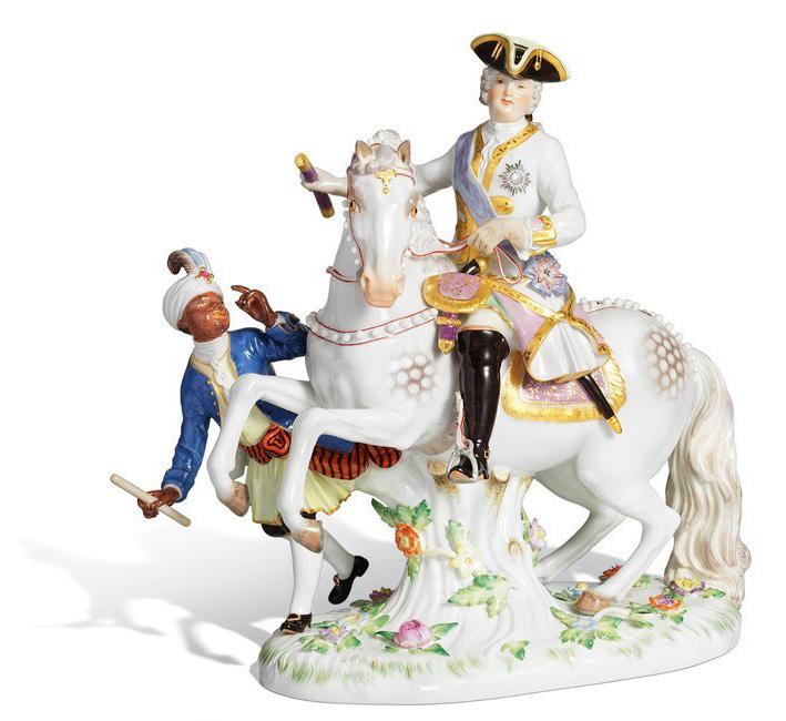 Императрица Елизавета II на коне
