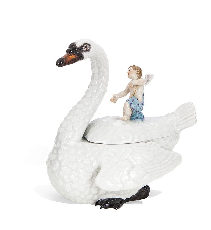 Шкатулка в виде Лебедя с Ангелочком