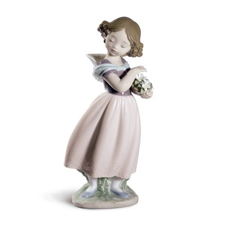 Adorable innocence Girl Figurine. Special Edition
