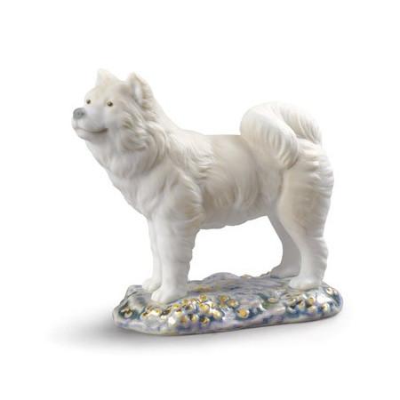 Миниатюрная фигурка собаки