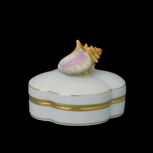 Декоративная коробочка, ручка в виде ракушки