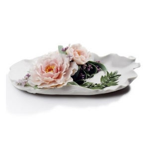 Tray with peonies