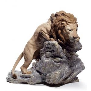Притаившийся лев