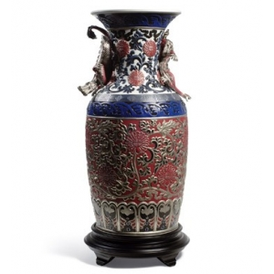 Oriental vase (red)