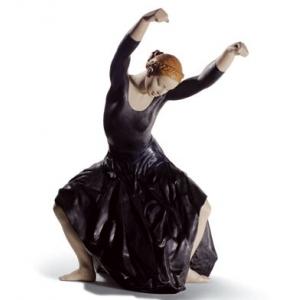 Сущность танца (черная)