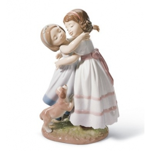 Give me a hug! Children Figurine