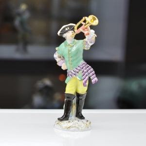 Trumpeter, Coloured, with gold, H 14,5 cm