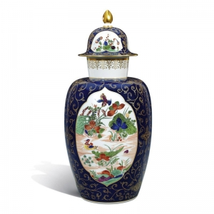 Vase with lid with