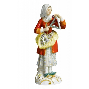 Woman w.triangle Paris pedlar, Coloured, with gold, H 13,5 cm