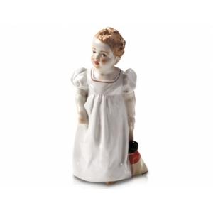 Ребенок с куклой