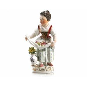 Девочка с цветочной вазой