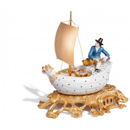 Прибор для специй в виде корабля