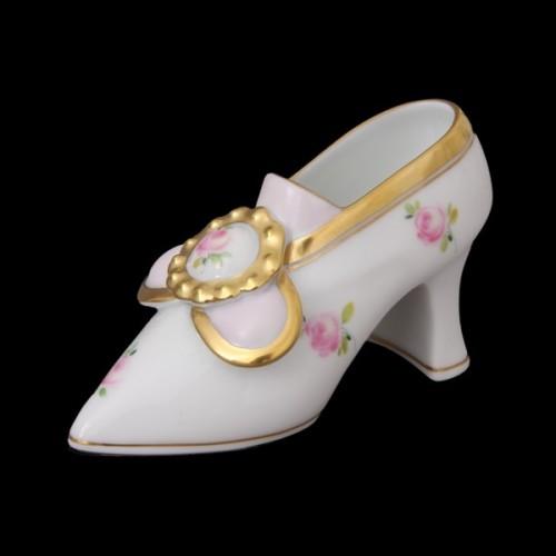 Фарфоровая туфля с пряжкой