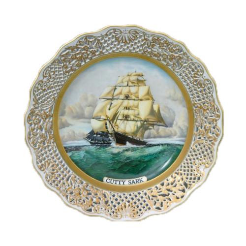 Картины и настенные тарелки