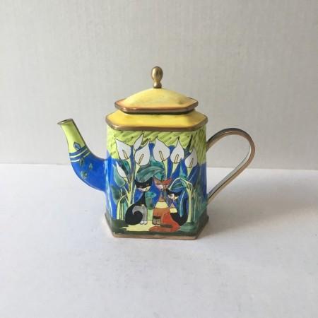 Миниатюрный коллекционный чайник Вахтер