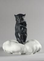 Черная Пантера с малышом