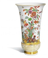 Ваза, восточноазиатские мотивы цветов и птиц