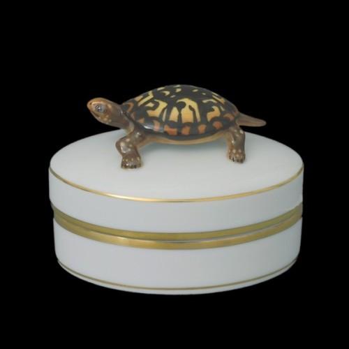 Декоративная коробочка, ручка в виде черепахи