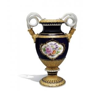 Ваза с ручками в виде змей «Букет цветов», королевский синий фон