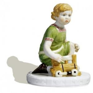 Ребенок с локомотивом