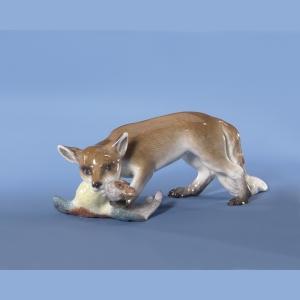 Лисица с курицей