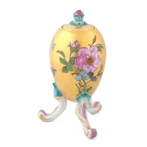 Яйцевидная ваза с крышкой