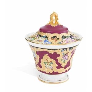 Вазочка с крышкой, цветочная роспись, пурпурная глазурь, с позолотой