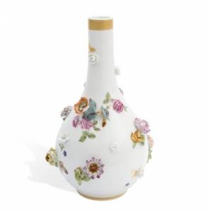 Бутылка для воды, цветочный рельеф