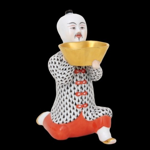 Китаец, стоящий на колене, большой