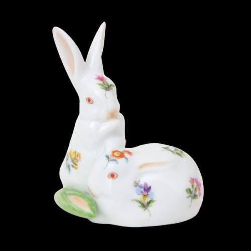 Пара кроликов, с кукурузой