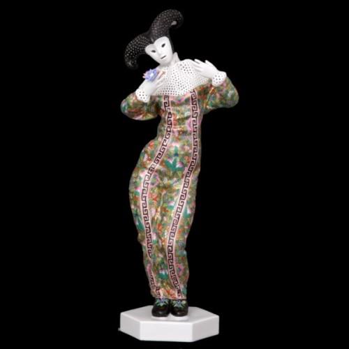 Женская карнавальная фигура