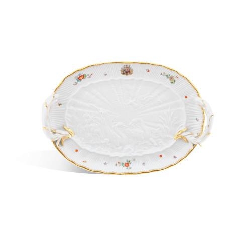 Блюдо из Лебединого Сервиза с гербом графа Брюля